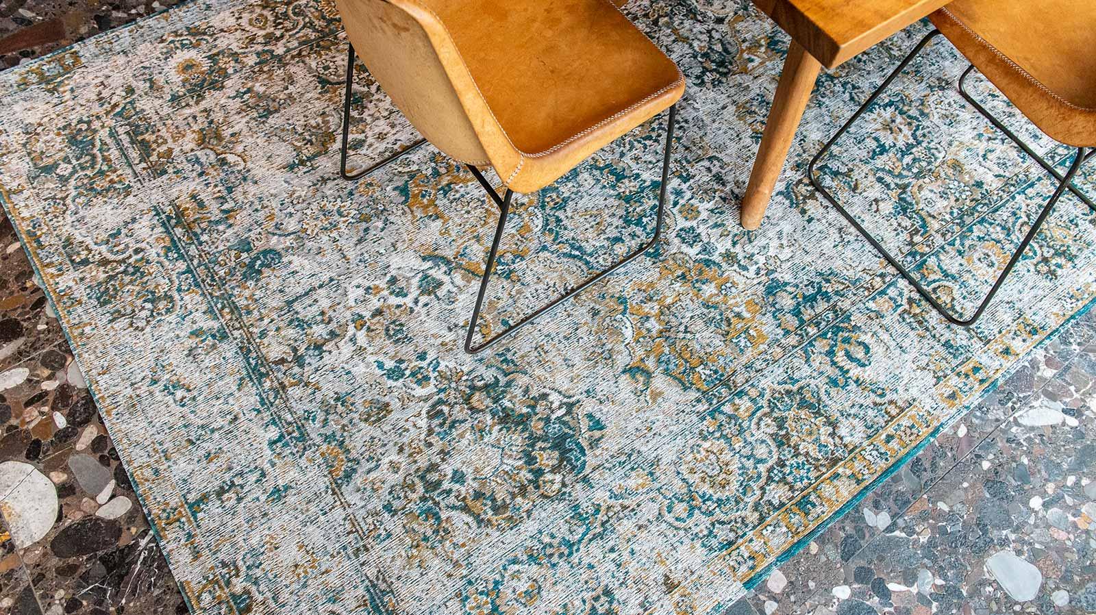 Louis De Poortere tapis LX 9127 Antiquarian Bakhtiari Fener interior 4