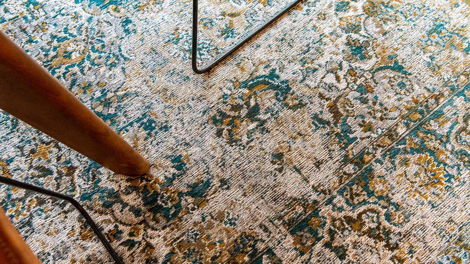 Louis De Poortere tapis LX 9127 Antiquarian Bakhtiari Fener interior 8