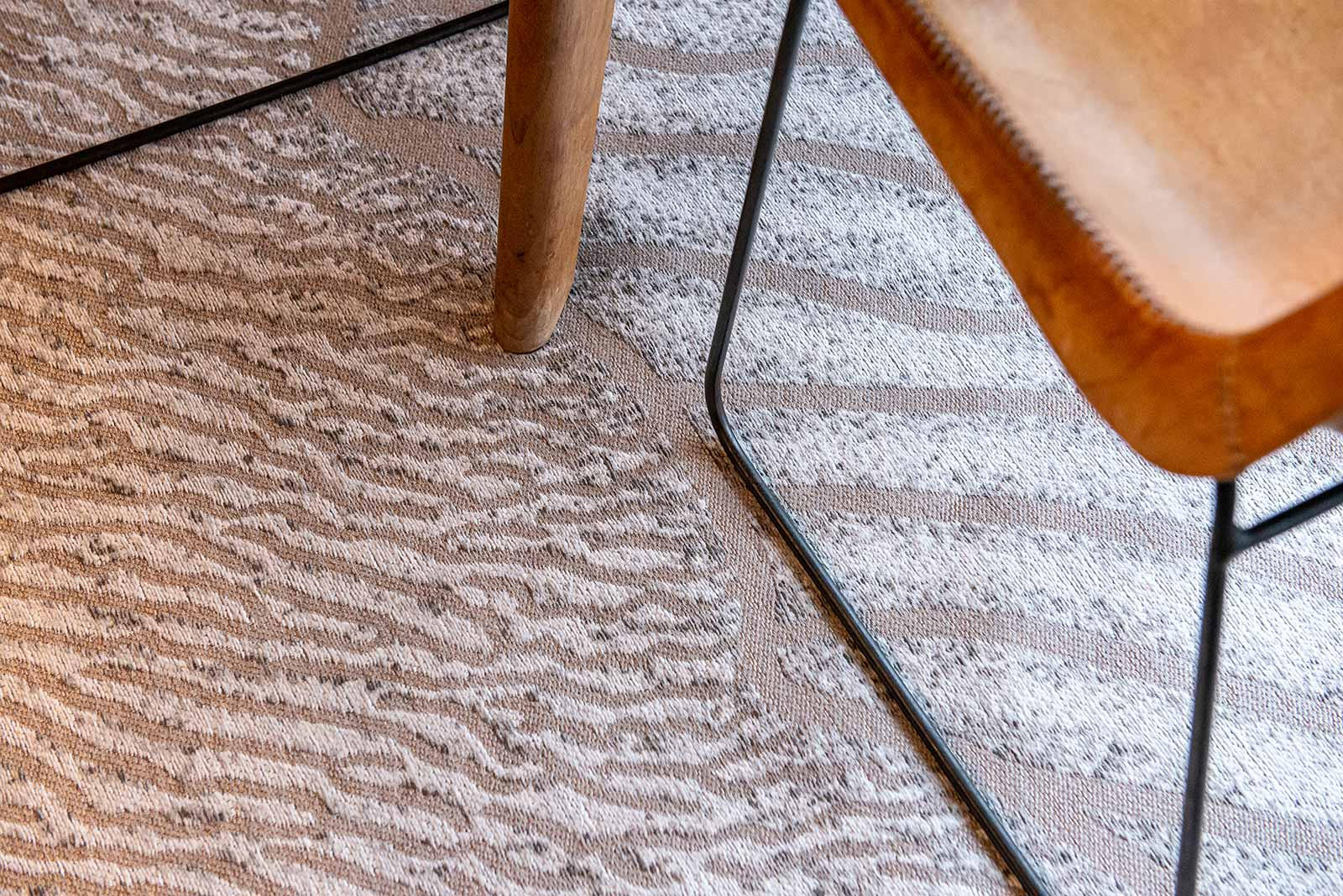 Louis De Poortere tapis LX 9135 Waves Shores Amazon Mud interior 7